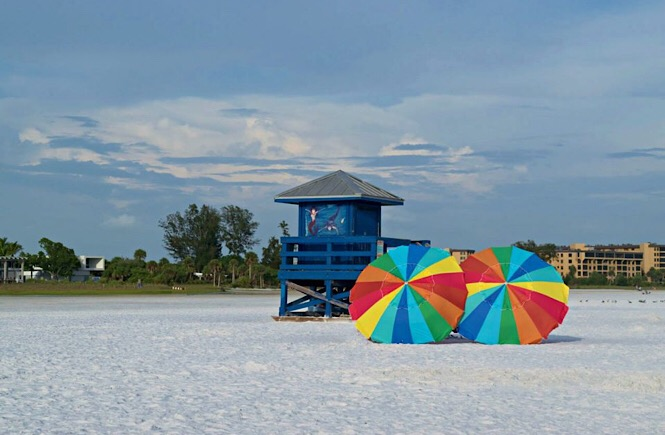 5 Fabulous Southeast USA Road Trip Ideas featured by top US family travel blog, More Than Main Street: Siesta Key Beach