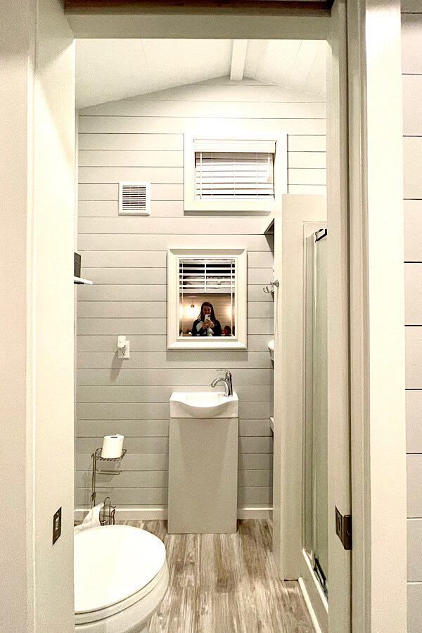 The full size bathroom at River & Twine- not everything is tiny at these tiny houses!