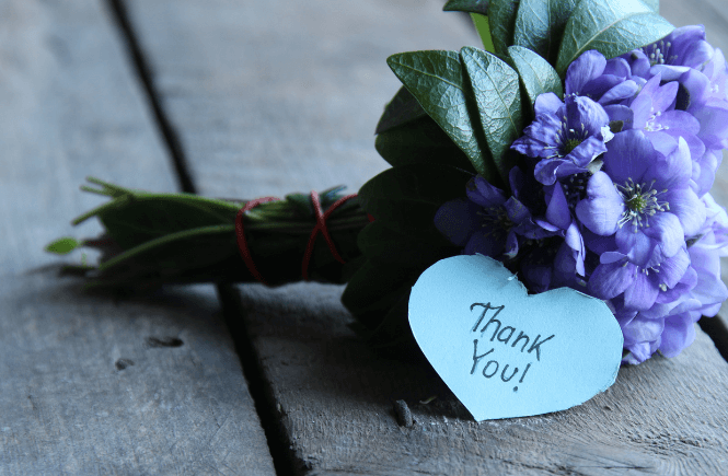 3 ways to have a more grateful heart: flowers with a thank you note.